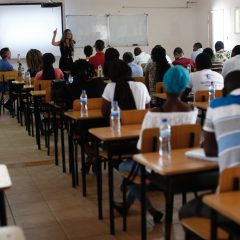 Imagem da notícia: MultiOpticas gives lectures to ophthalmology students in Mozambique