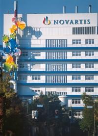 Imagem da notícia: Novartis quer totalidade da Alcon