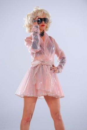 Imagem da notícia: Christina Aguilera rende-se à Carrera