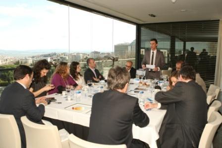 Imagem da notícia: Sector da óptica em debate