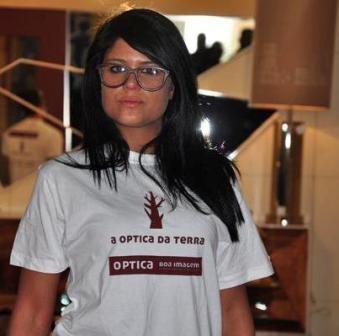 """Imagem da notícia: Óculos em madeira """"made in Capital do Móvel"""""""