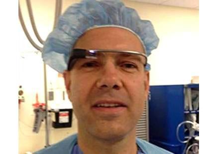 Imagem da notícia: Óculos Google utilizados em cirurgia