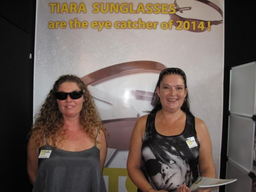 Imagem da notícia: Tiara Sunglasses