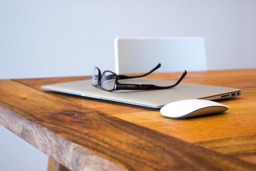 Imagem da notícia: A Óptica enfrenta a alteração do seu modelo tradicional com o crescimento do 'online'?
