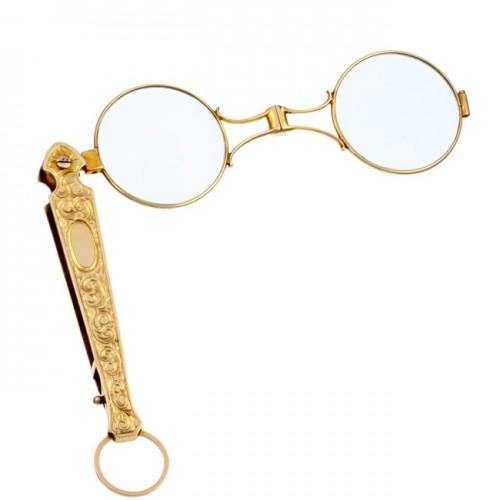 Imagem da notícia: Procuram-se peças para o Núcleo Museológico de Óptica e Optometria!