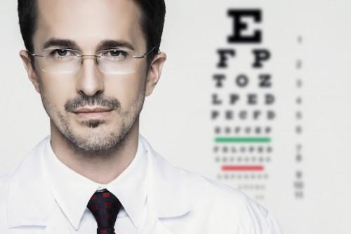 Imagem da notícia: Precisa-se de optometristas/ortoptistas