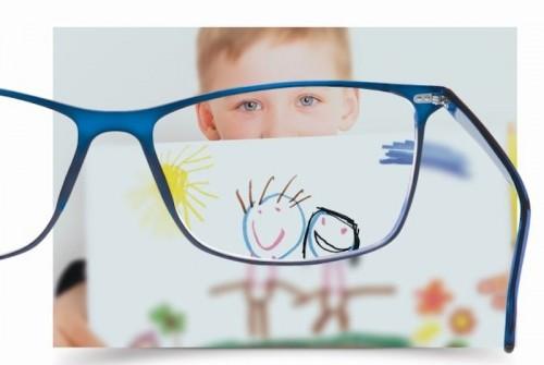 Imagem da notícia: Institutoptico apresenta campanha de lentes progressivas