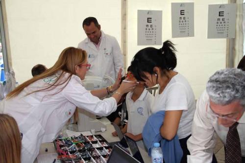 Imagem da notícia: Iniciativa solidária oferece 120 óculos