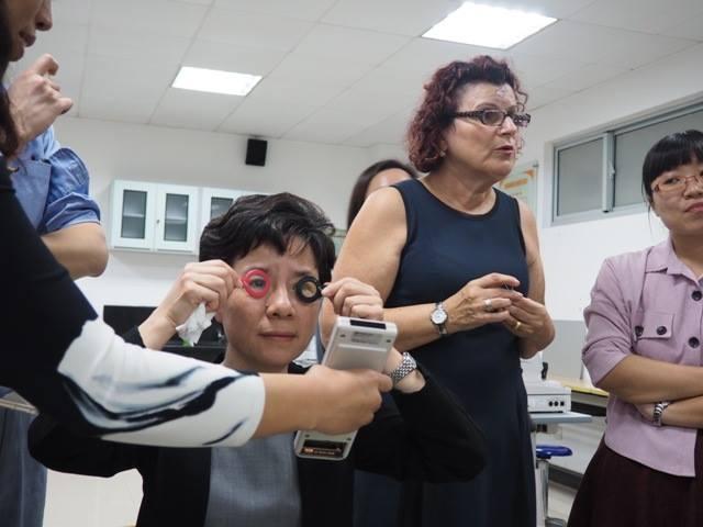 Imagem da notícia: Premiar o ensino da contactologia