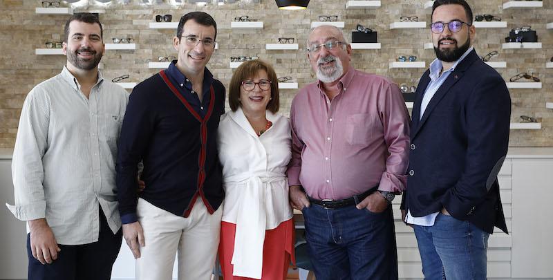 Imagem da notícia: Óptica Correia renovou espaço