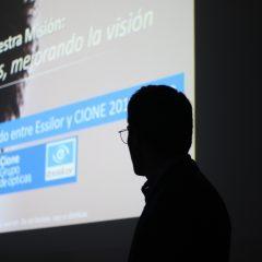 Imagem da notícia: Grupo Cione aborda website Lóòktic e plataforma Varilux