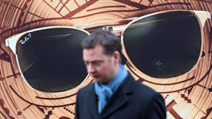Imagem da notícia: EssilorLuxottica interessada em comprar GrandVision