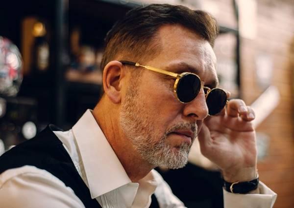 Imagem da notícia: Olhar de Prata alerta para a importância de desinfetar os óculos
