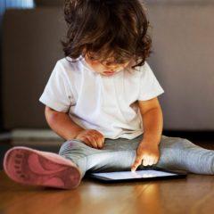 Imagem da notícia: Crianças que usam ecrãs táteis mostram diferenças de atenção