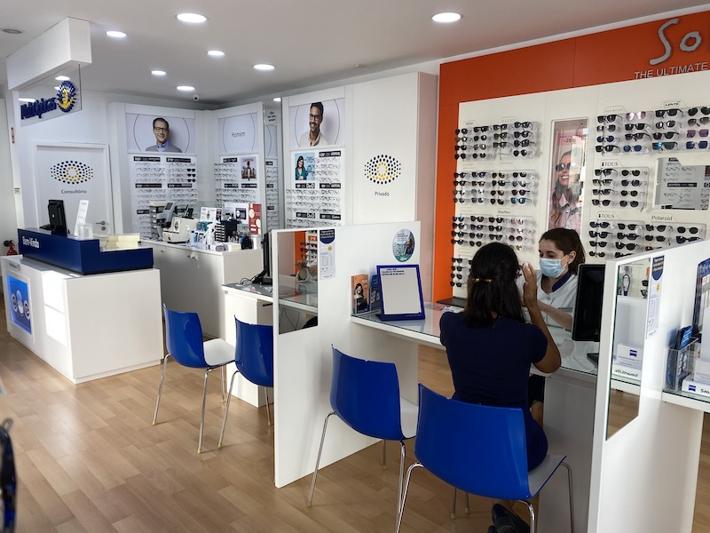 Imagem da notícia: MultiOpticas reabre lojas de Abrantes e Ourém com nova imagem