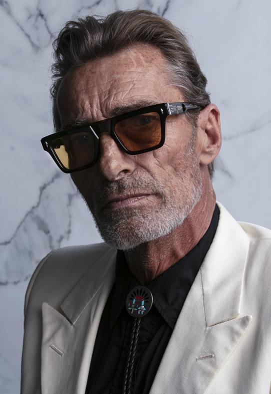 Imagem da notícia: Olhar de Prata apresenta uma coleção de óculos JMM