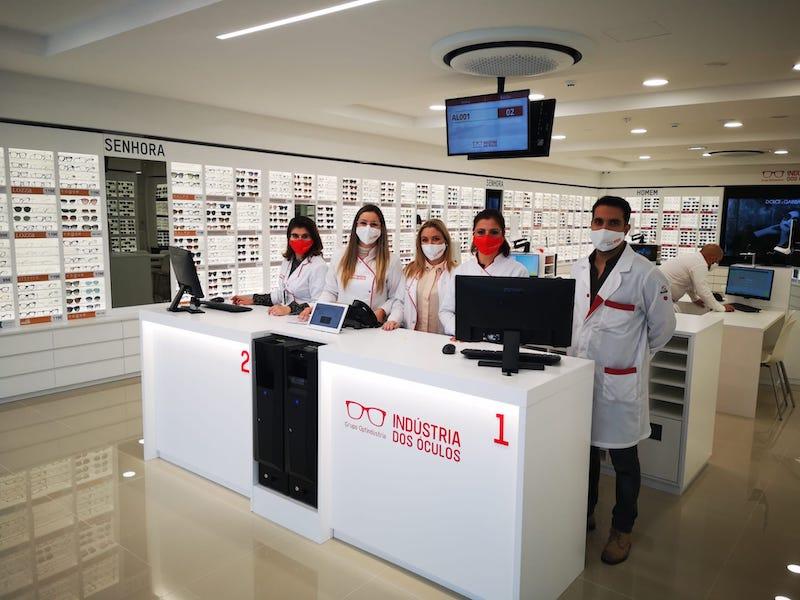 """Imagem da notícia: Indústria dos Óculos inaugura """"a maior e mais tecnológica"""" ótica da Margem Sul"""