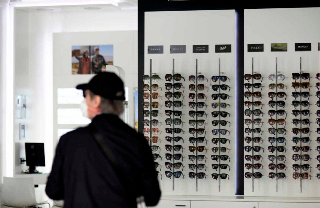 Imagem da notícia: Novo confinamento: óticas mantêm portas abertas