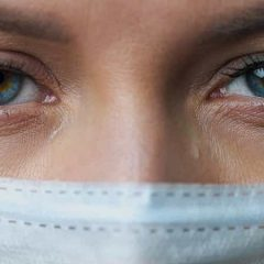 Imagem da notícia: Novo estudo revela como a Covid-19 afeta os olhos