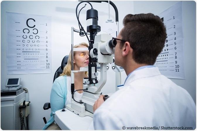 Imagem da notícia: Covid-19: optometristas querem saber quando vão ser vacinados