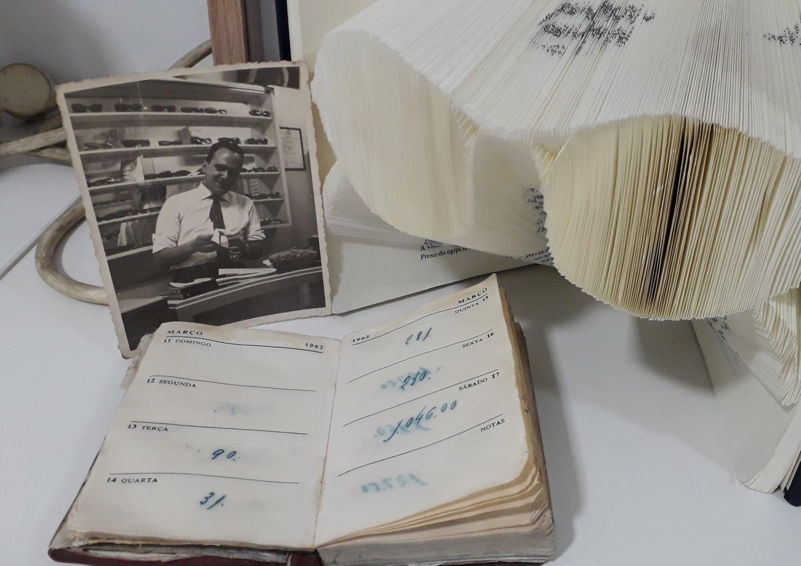 Imagem da notícia: Adão Oculista Optivisão completou 59 anos