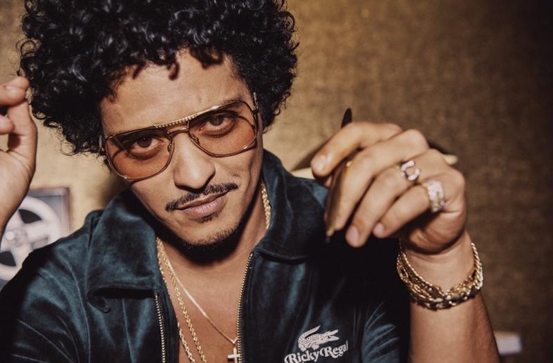 Imagem da notícia: Bruno Mars une-se à Lacoste e lança coleção de lifestyle