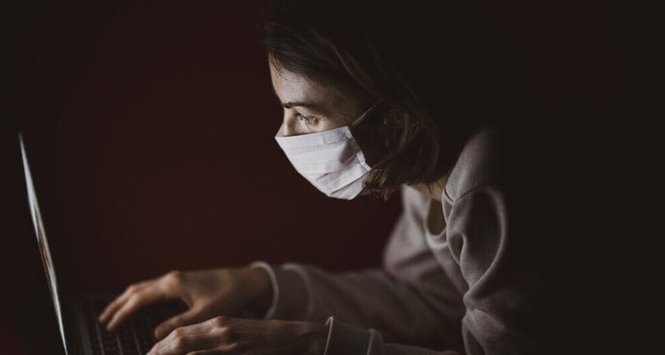 Imagem da notícia: Opticalia: 6 dicas para evitar a vista cansada ao computador