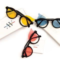 Imagem da notícia: AVIEW cria óculos personalizáveis com um conjunto de lentes coloridas polarizadas